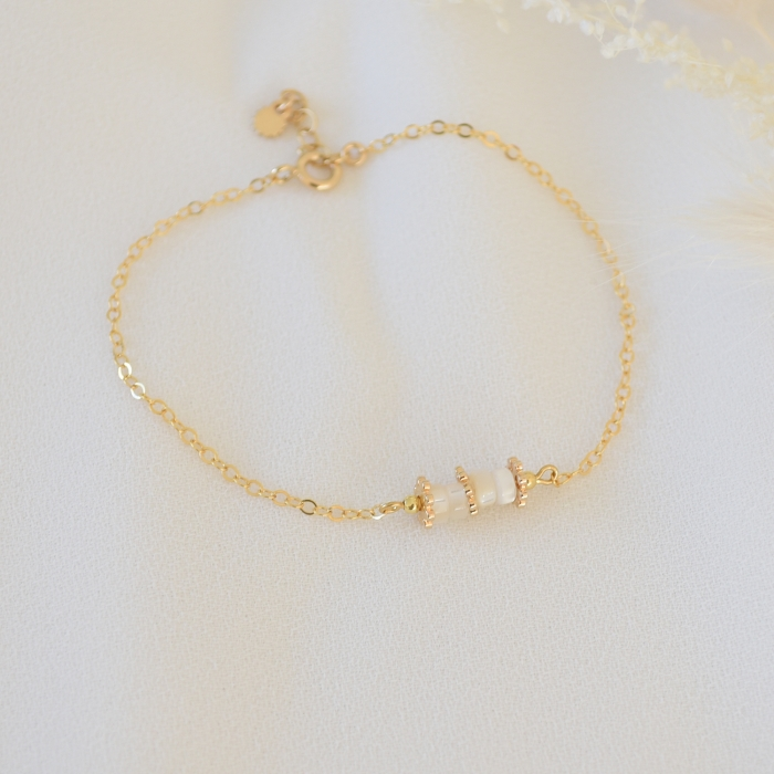 BETTY Bracelet chaine nacre et or